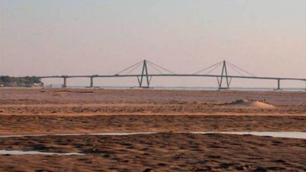 El río bajó 13 centímetros en Paraná y continúa con niveles históricos